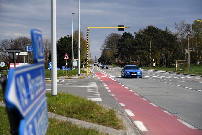 Kruispunt Brusselsesteenweg, Kroonstraat en Meerbeeksesteenweg in Veltem-Beisem.