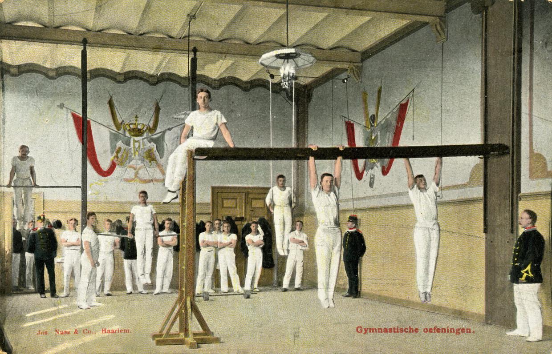 Gymnastiekles op de KMA anno 1900.