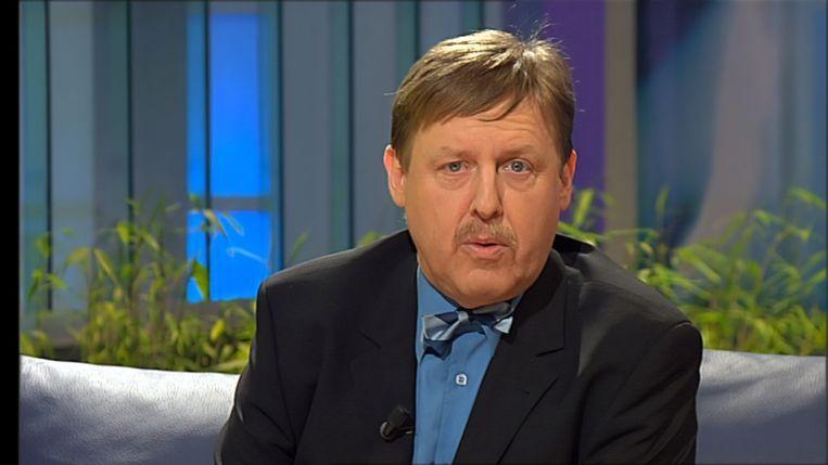 Siegfried Bracke, toen nog politiek journalist bij de VRT en presentator van 'Bracke & Crabbé'.  Beeld De Mensen