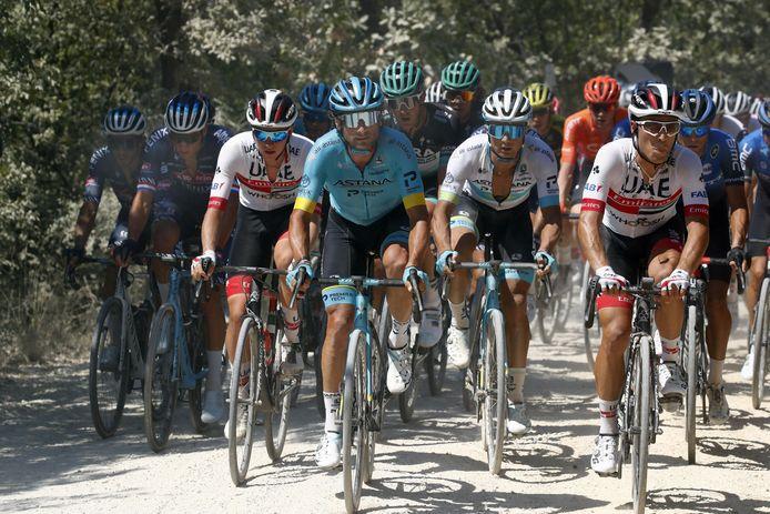 Manuele Boaro (midden) tijdens de Strade Bianche deze zomer.