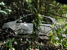 Auto zwaar beschadigd in Oosterbeek na vergissing in rem- en gaspedaal
