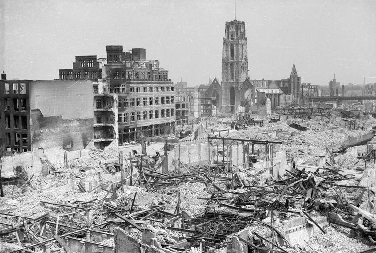 Het centrum van Rotterdam werd door het bombardement grotendeels verwoest. Beeld Ferdinand Grimeyer/Stadsarchief Rotterdam