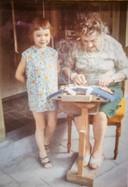 Lieve Pickery is één van de slachtoffers, hier als kind met haar grootmoeder