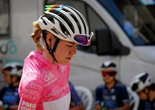 Anna van der Breggen in de roze trui.