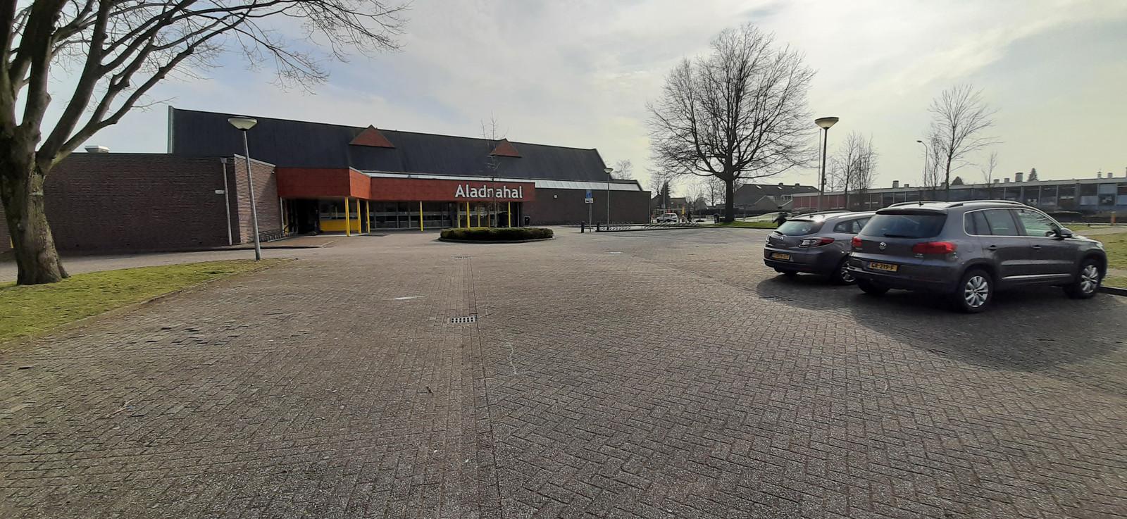De Aladnahal in Aalten: niet helemaal vol, maar wel ruimte voor 236 zonnepanelen.
