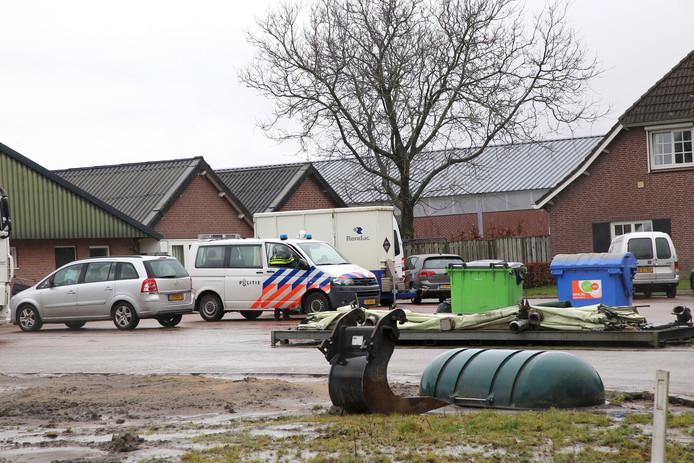 Een eerdere inval bij mestbedrijf Daas in voorjaar 2018.