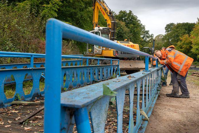 De blauwe bruggetjes van het voormalige Land van Ooit gaan in de revisie.