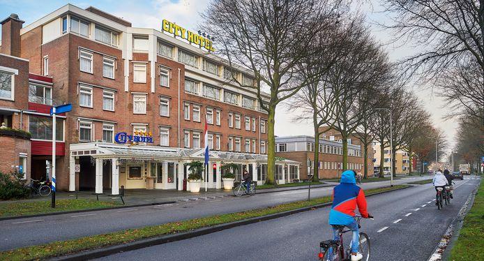 Het City Hotel in Oss werd in december van het vorig jaar verkocht. De kans is groot dat er arbeidsmigranten gehuisvest gaan worden.