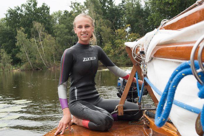Jonna Meesters uit Breukelen ziet haar droom in vervulling gaan, zij gaat in oktober een haf jaar varen met School at Sea.