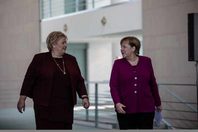 De premier van Noorwegen, Erna Solberg samen met de Duitse Bondskanselier Angela Merkel.