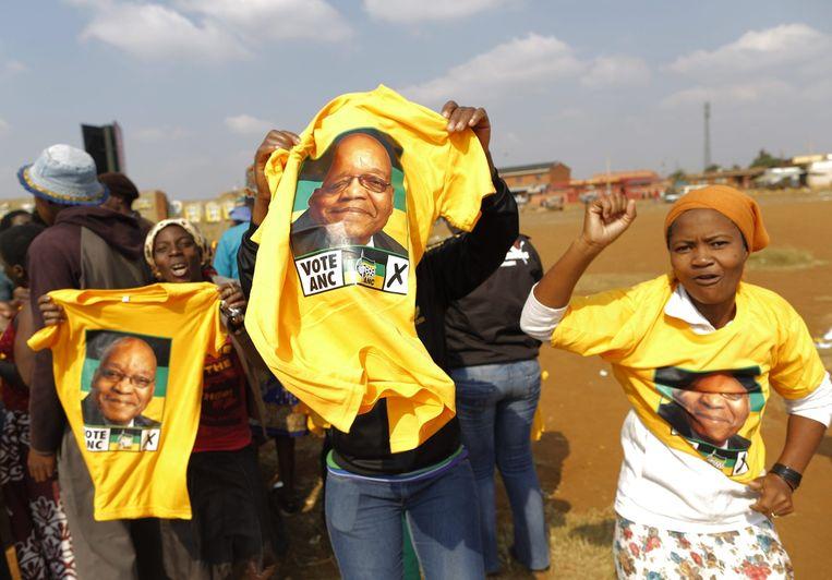 Aanhangers van president Jacob Zuma. Beeld epa