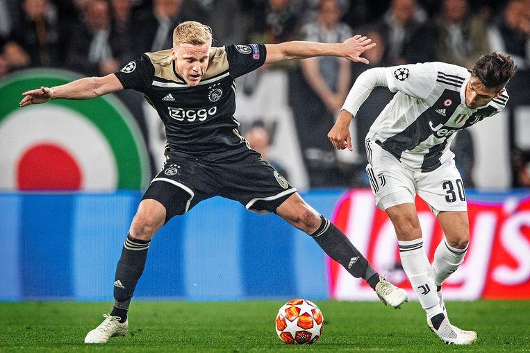 Donny van de Beek in de kwartfinale tegen Juventus. Beeld Guus Dubbelman / de Volkskrant