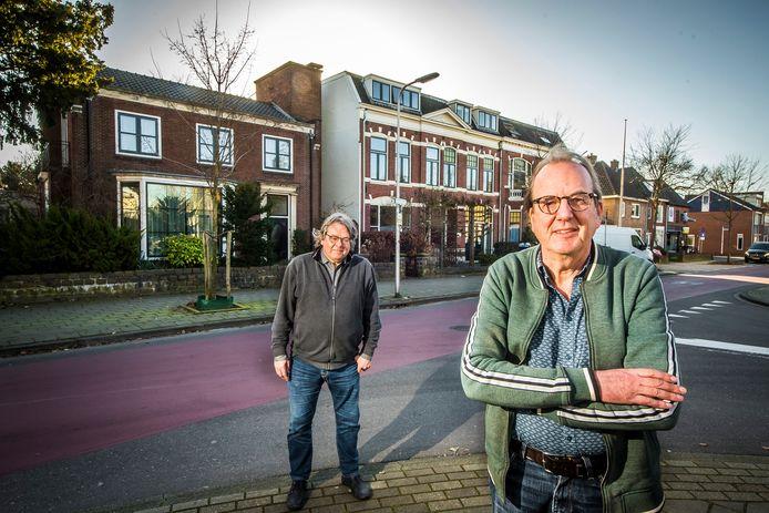 Peter van Roosmalen (links) en Patrick Drijver in hun wijk Horstlanden-Veldkamp.