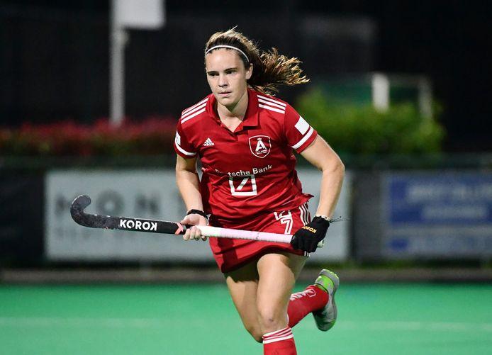 Tiphaine Duquesne is dit seizoen een nieuwe kracht bij de steeds ambitieuze hockeyvrouwen van Antwerp.