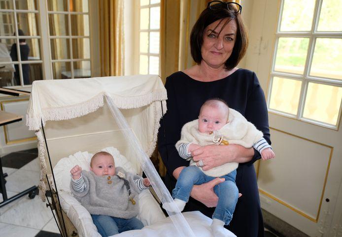 Leonie en Feline met bonni Brigitte Marivoet