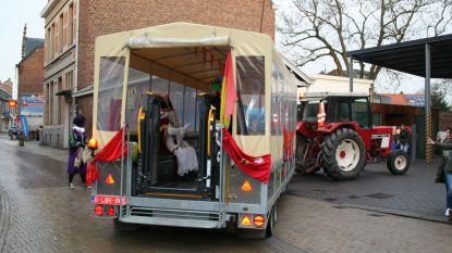 Sinterklaas komt naar het circus