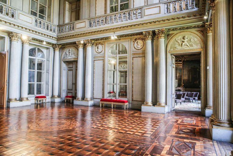 Je brengt een bezoek aan de woning van de adellijke familie d'Hane Steenhuyse.