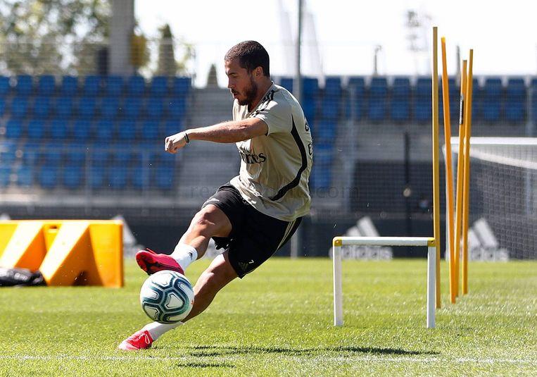 Eden Hazard aan het werk op training.