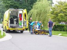 Wielrenner in Nijkerkerveen gewond bij aanrijding met auto
