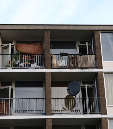 Schade aan balkon van flatwoning in Tiel door brand