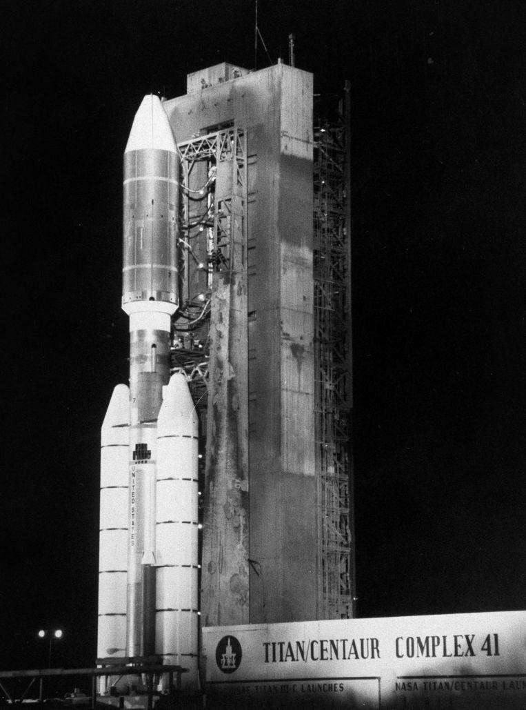 Een van de twee Voyager-sondes, samen met een Titan/Centaur 7-raket op het Kennedy Space Center, Florida, in augustus 1977.