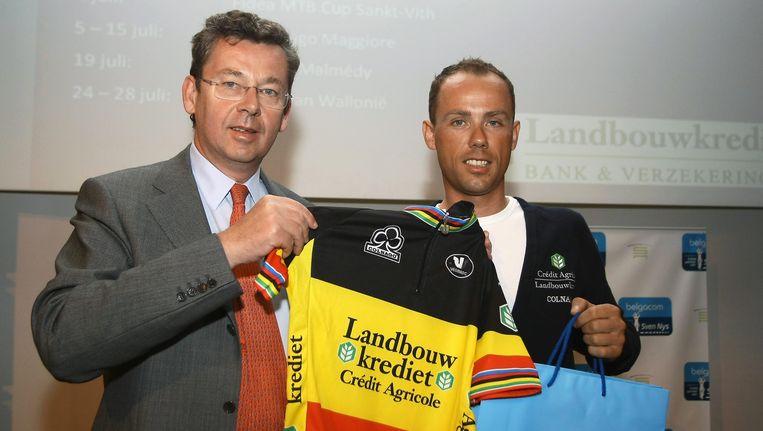 Sven Nys in het gezelschap van Didier Bellens, ceo bij Belgacom. Beeld UNKNOWN
