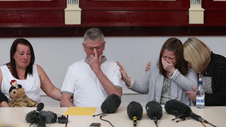 De familie van Lee Rigby tijdens de persconferentie. Beeld EPA
