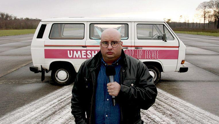 Umesh Vangaver is vanavond voor het eerst te zien in zijn programma 'Umesh pop-up teevee'. Beeld VRT