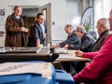 Rondje stembureaus in Woensdrecht met publiek van 4 tot 80 jaar