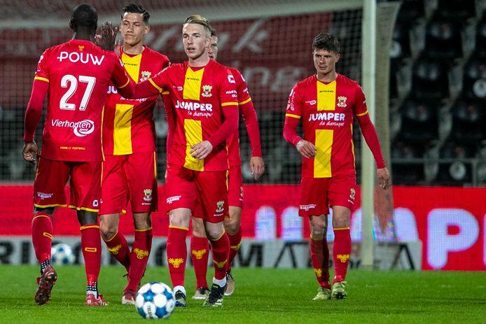 Go Ahead Eagles hijgt nummer twee De Graafschap in de nek.