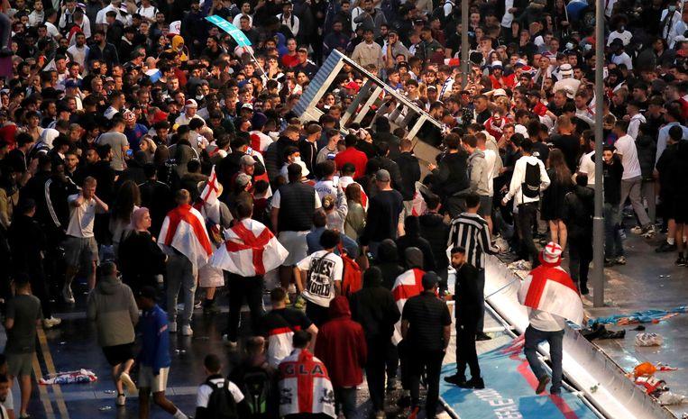 Tumult voor het Wembley-stadion. Beeld Action Images via Reuters