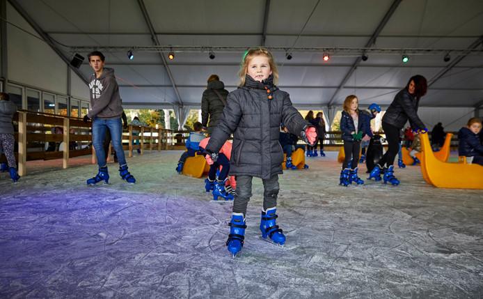 Sfeerbeeld van de schaatsbaan in het Plaswijckpark in november vorig jaar.