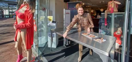 Pleun van Koning Bodyfashion in Oss: 'Fijn, ik mag mijn vak weer uitoefenen'