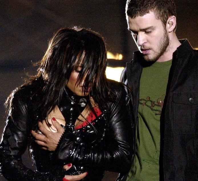 Janet Jackson en Justin Timberlake tijdens de Half Time Show van de Super Bowl in 2004.
