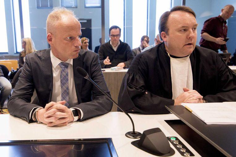 Micheal Heemels (links) in de zittingszaal van Rechtbank Limburg Beeld anp