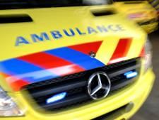 Scooter en auto botsen hard op elkaar in Assen: één gewonde