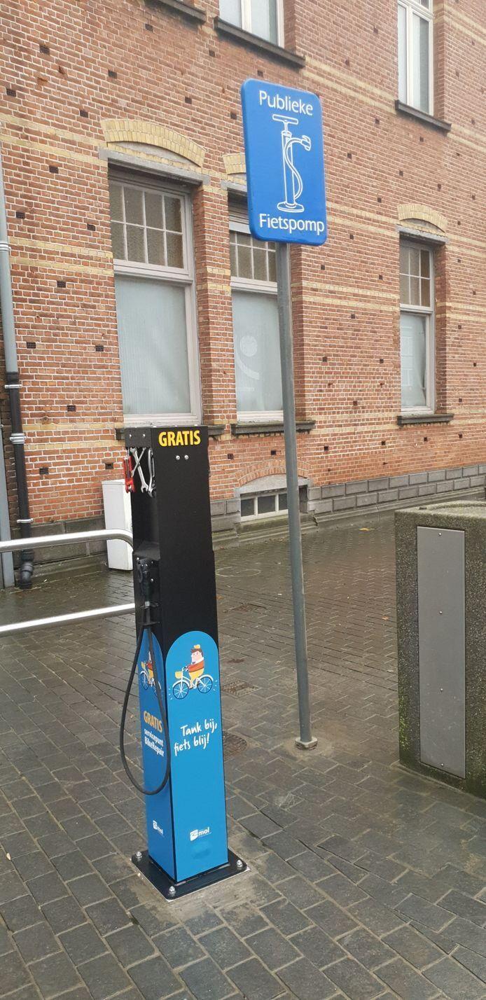 In Mol staat sinds begin dit jaar al een fietsreparatiezuil.