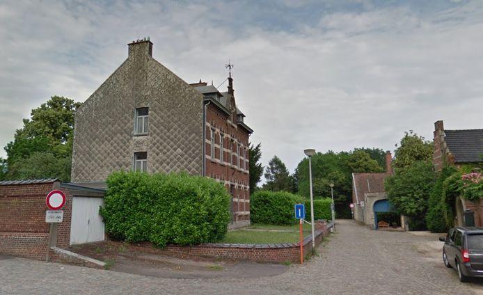 Het vertrek- en eindpunt van de luistertocht ligt aan het Erfgoedhuis in Erps-Kwerps.