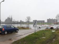 Op de pont tussen Cuijk en Middelaar kun je eindelijk pinnen