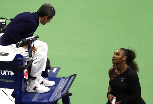 'Je bent een dief' beet Serena Williams de umpire toe.