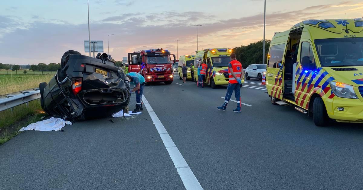 Zwaar ongeluk op A1 bij knooppunt Beekbergen.