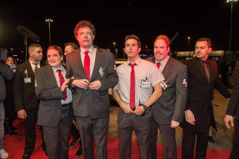 Het team van Safety First op de rode loper. Beeld BELGA