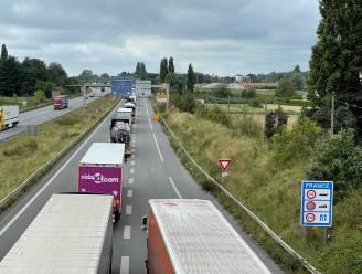 Actie tegen transmigranten veroorzaakt nog hele week files op West-Vlaamse snelwegen