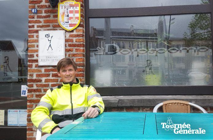 Frederik Laeremans gaat zijn eerst mazout drinken in De Dorpspomp, in hartje Herselt.