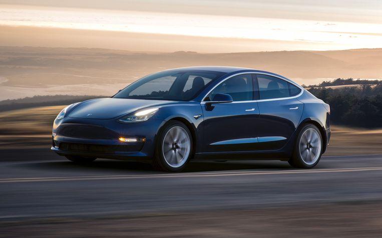 Een Tesla als trouwauto? Beeld