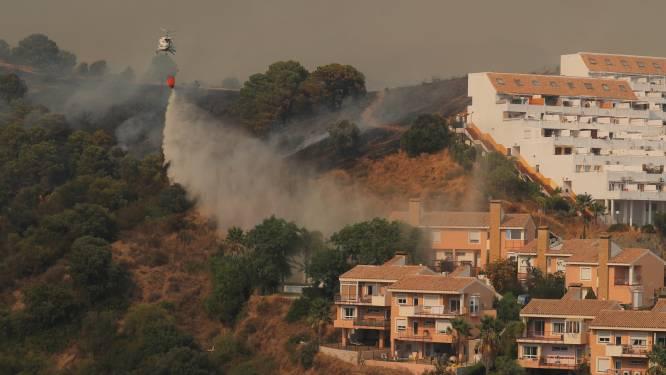 Bosbranden Spanje eisen leven van brandweerman, ruim 900 mensen geëvacueerd