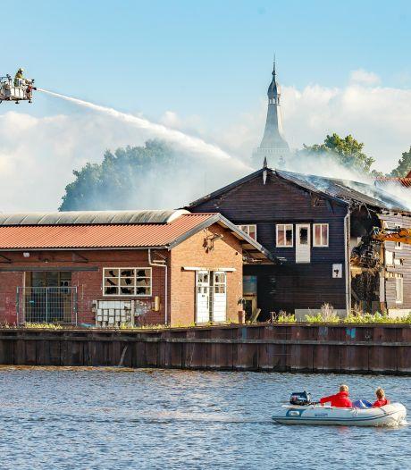 Politie zoekt twee jongens na brand bij oude scheepswerf in Hasselt