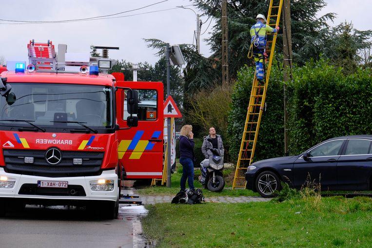 PUTTE - Een arbeider van Fluvius moest ter plaatse komen. De brand zette de woning zonder stroom.