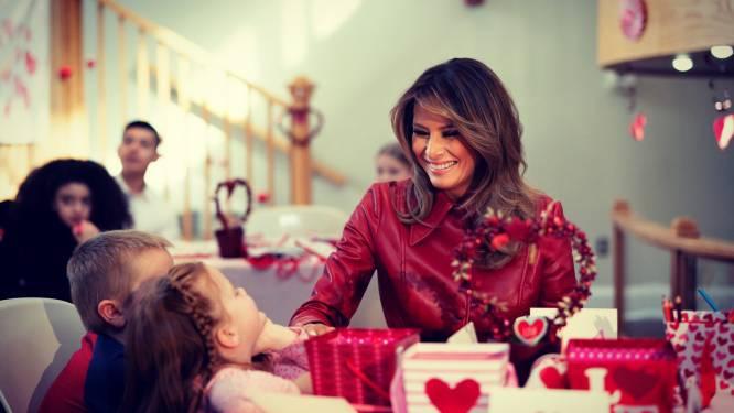 Melania Trump laat zich horen op Twitter voor Valentijn, zonder ook maar enige verwijzing naar echtgenoot