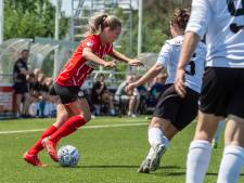 Als moeder in PSV-shirt voelt Tokio voor Desiree van Lunteren zo ver weg als het is: 'Ik mis het niet'